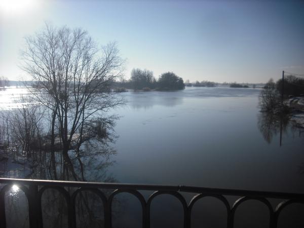 Crue 2: La Saône depuis le pont de l'ancienne écluse