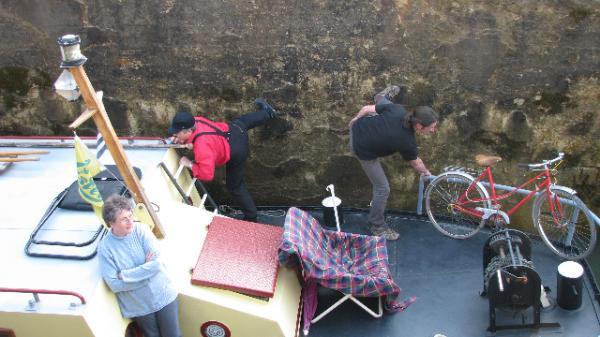 Un saut de puce sur le canal de Bourgogne