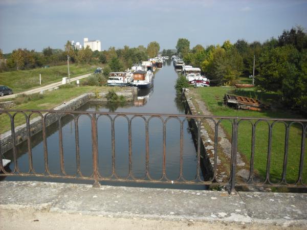 L'ancienne écluse depuis le pont