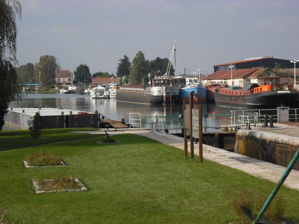 Canal de Bourgogne, écluse n°1 à St Jean
