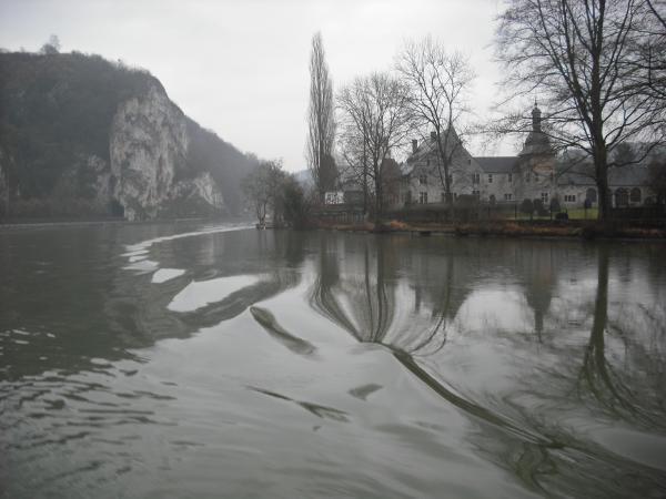 En amont de Namur